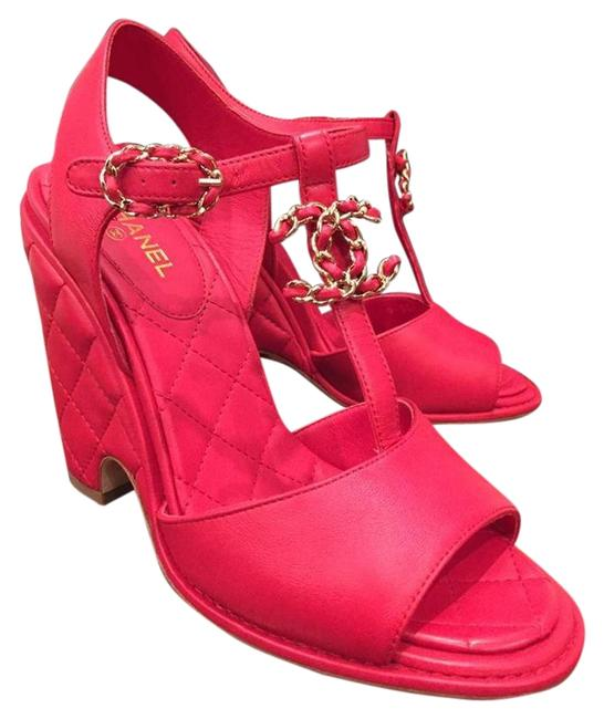 Item - Red Quilted Leather Chain Cc Logo Sandal Heel 37 Wedges Size US 7 Regular (M, B)