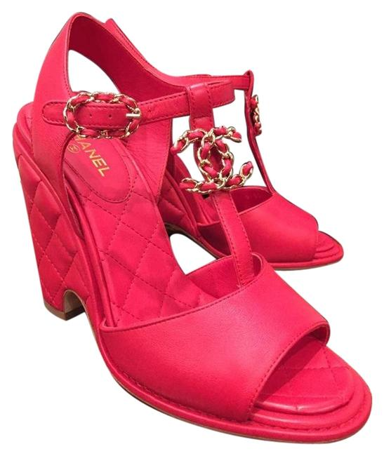 Item - Red Quilted Leather Chain Cc Logo Sandal Heel 37.5 Wedges Size US 7.5 Regular (M, B)