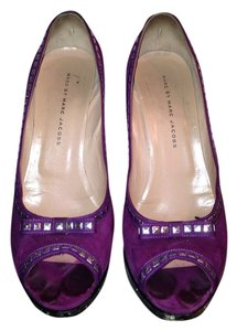 Marc by Marc Jacobs Studded Suede Peep Toe Purple Silver Black Pumps