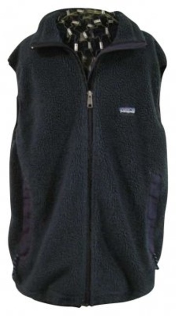 Preload https://item4.tradesy.com/images/patagonia-green-vest-size-12-l-180743-0-0.jpg?width=400&height=650