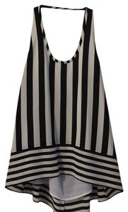 BCBGMAXAZRIA Top Black and white stripes
