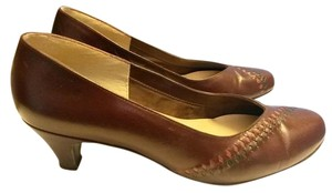Selby Vintage Dark Brown Pumps