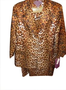 S.O.G. I. C. BNWT ~ Womens Animal Print 2 PC Suit, Plus Size 22W