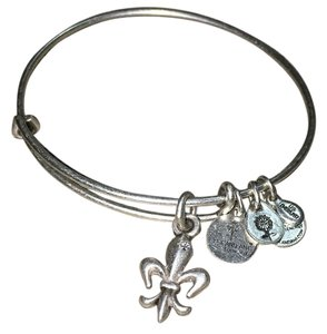 Alex and Ani French Royalty EWB Single-Rafaelian Silver Finish