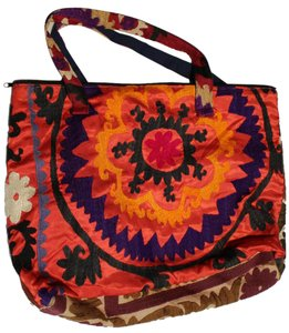 Handmade Unbranded Embroidered Multicolor Tote in Multi-color