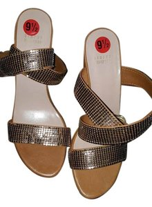 Stuart Weitzman luggage Sandals