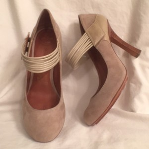 Modern Vintage Suede Patent Leather New Beige (Sand) Pumps