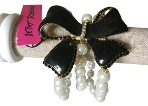 Betsey Johnson Bow and Pearl Bracelet