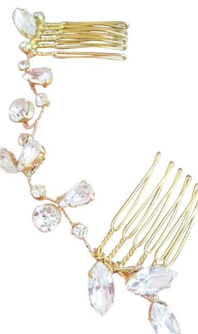 Item - Gold Crystal with Comb Hair Accessory