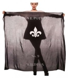 Wildfox Love Potion No. 9 black sold out