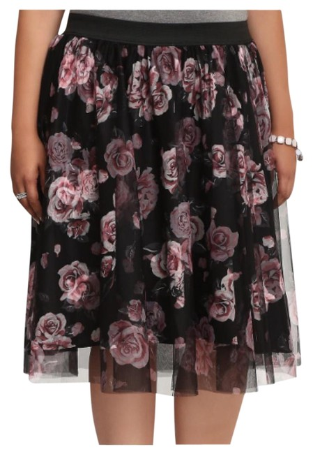 Item - Multicolor Floral Mesh Overlay Skirt Size 22 (Plus 2x)