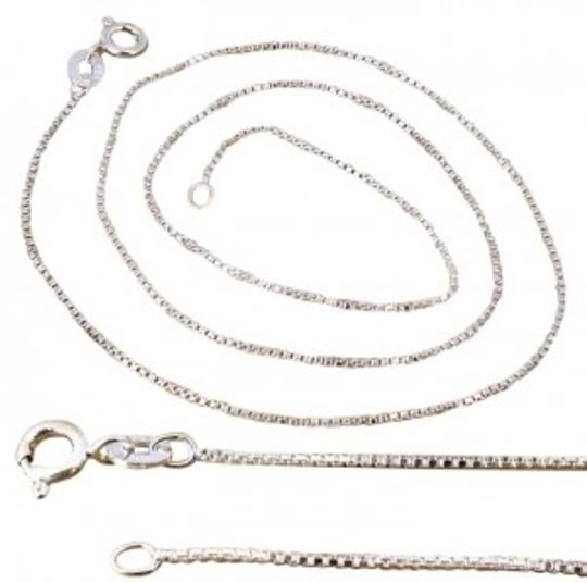 Preload https://img-static.tradesy.com/item/180951/28-sterling-silver-box-chain-0-0-540-540.jpg