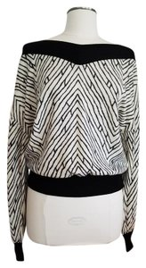 Emanuel Ungaro Wool Cashmere V-neck Knit Sweater