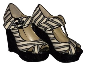 Sacks Fifth Avenue Black and White Wedges