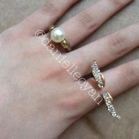 Other Skull pearl ring Image 3