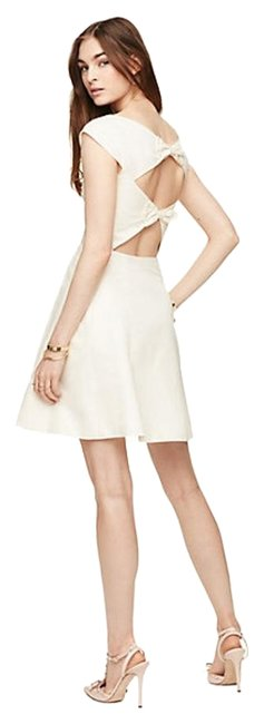 Item - Cream Bow Back Mid-length Cocktail Dress Size 6 (S)