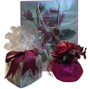 Other Floral Candle & Potpourri Sachet Set [ Roxanne Anjou Closet ]