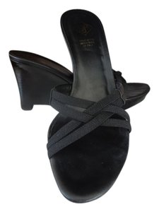Donald J Pliner Sandles Black Wedges