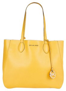 Michael Kors Mihael Tote in Sunflower White Gold