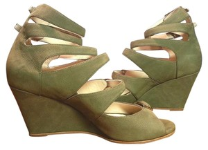 Chloé Fits True To Size Light-khaki Suede Front Strap Open Toe Hunter green Wedges