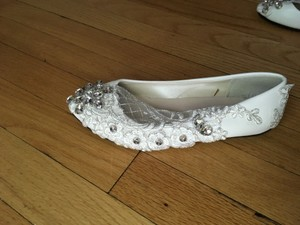 Beaded Ivory Leather Wedding Shoes/flats With Lace Applications Wedding Shoes