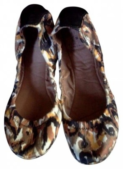 Preload https://item2.tradesy.com/images/lucky-brand-multi-colors-flats-size-us-6-181111-0-0.jpg?width=440&height=440