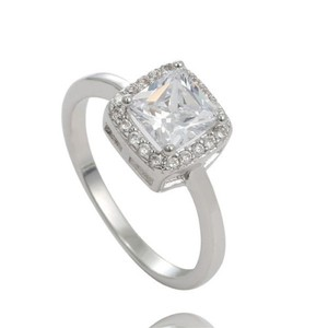 Sears New 925 Sterling Silver elegant Clear CZ's Wedding Ring or Engagement Ring, size 8, 2.7 gms