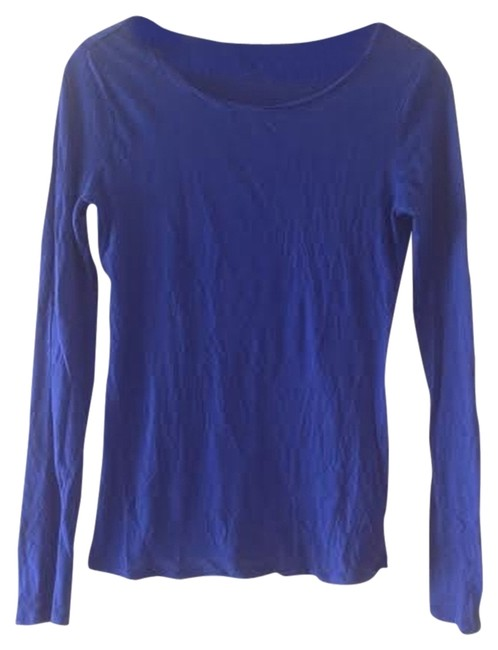 Preload https://item5.tradesy.com/images/gap-blue-whisper-thin-blouse-size-2-xs-1811584-0-0.jpg?width=400&height=650