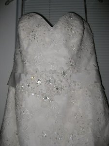 Maggie Sottero Ivory Lace Julia Modern Dress Size 12 (L)