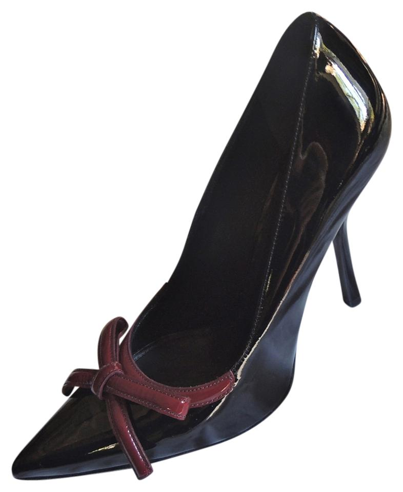 c90ec25aaa2 Prada Black Patent Leather Pointed Toe Bow   Heels Pumps Size US 8 ...