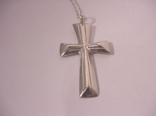 Modern Vintage VINTAGE LARGE HEAVY CAST CUT STERLING SILVER 7.1 GRAMS CROSS PENDANT NECKLACE 16 1/8""