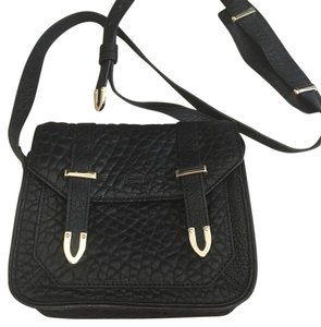 Uterqüe Shoulder Bag