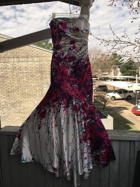 Item - Purple Prom Floral Long Night Out Dress Size 6 (S)