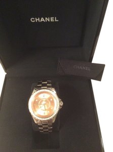 Chanel Chanel diamond watch j-12 chromatic. 33 mm H2563 complete with authenticity card and additional links. Original box included purchased from Chanel boutique