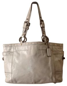 Coach Tote in Beige/Cream