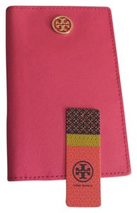 Tory Burch Tory Burch Robinson Agenda in Tory Pink Saffiano Leather