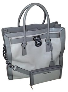 Michael Kors Tote in Taupe & Grey