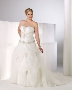 Private Label By G 3353 Wedding Dress
