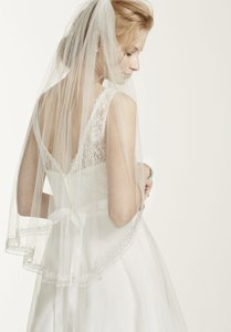 David's Bridal One Tier Mid Veil With Beaded Design
