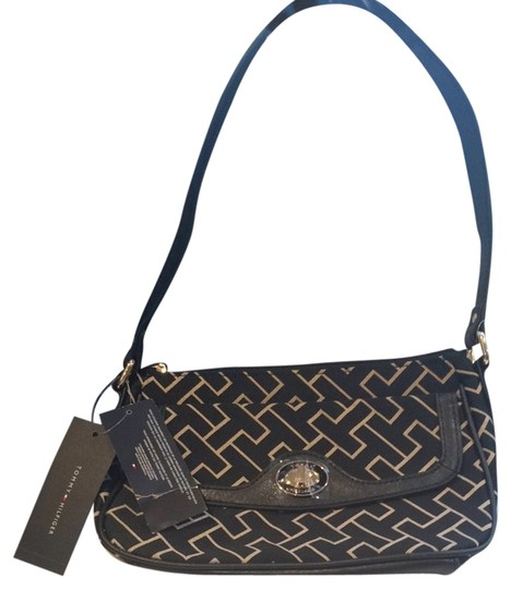 Tommy Hilfiger Tote in Black And Beige