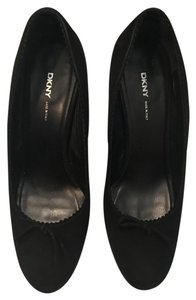 DKNY Suede Thick Heel black Pumps