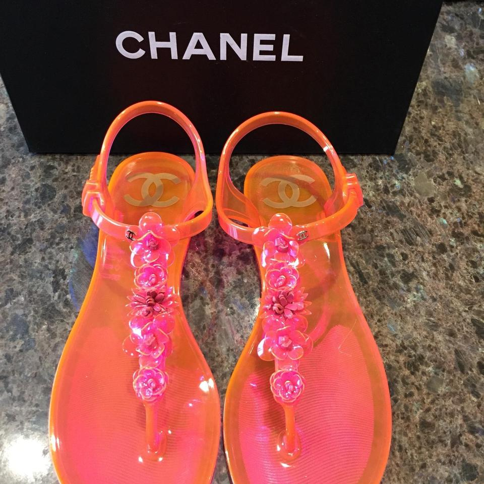 fe1fa962907e Chanel Pink Flip Flop Jelly Pvc Neon Thong Flat Sandals Size EU 35 (Approx.  US 5) Regular (M