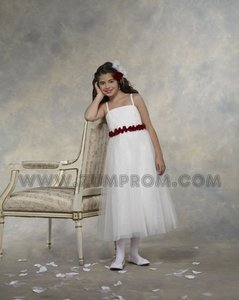Forever Yours Size 8 Flower Girl Dress