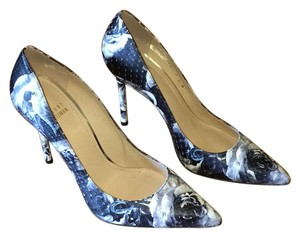 Stuart Weitzman Floral Pump Black / White Pumps
