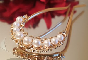 Bridal Hair Comb Gold Plated White Pearls Austrian Crystals