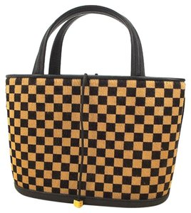 Louis Vuitton Tote in Damier Sauvage