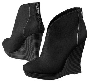 Jennifer Lopez Black Wedges