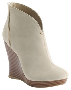Jennifer Lopez Natural Wedges