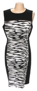 T Tahari Animal Print Stretch Dakota Fitted Dress