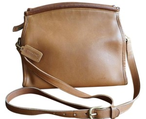 Coach Vintage Oblong Cross Body Bag